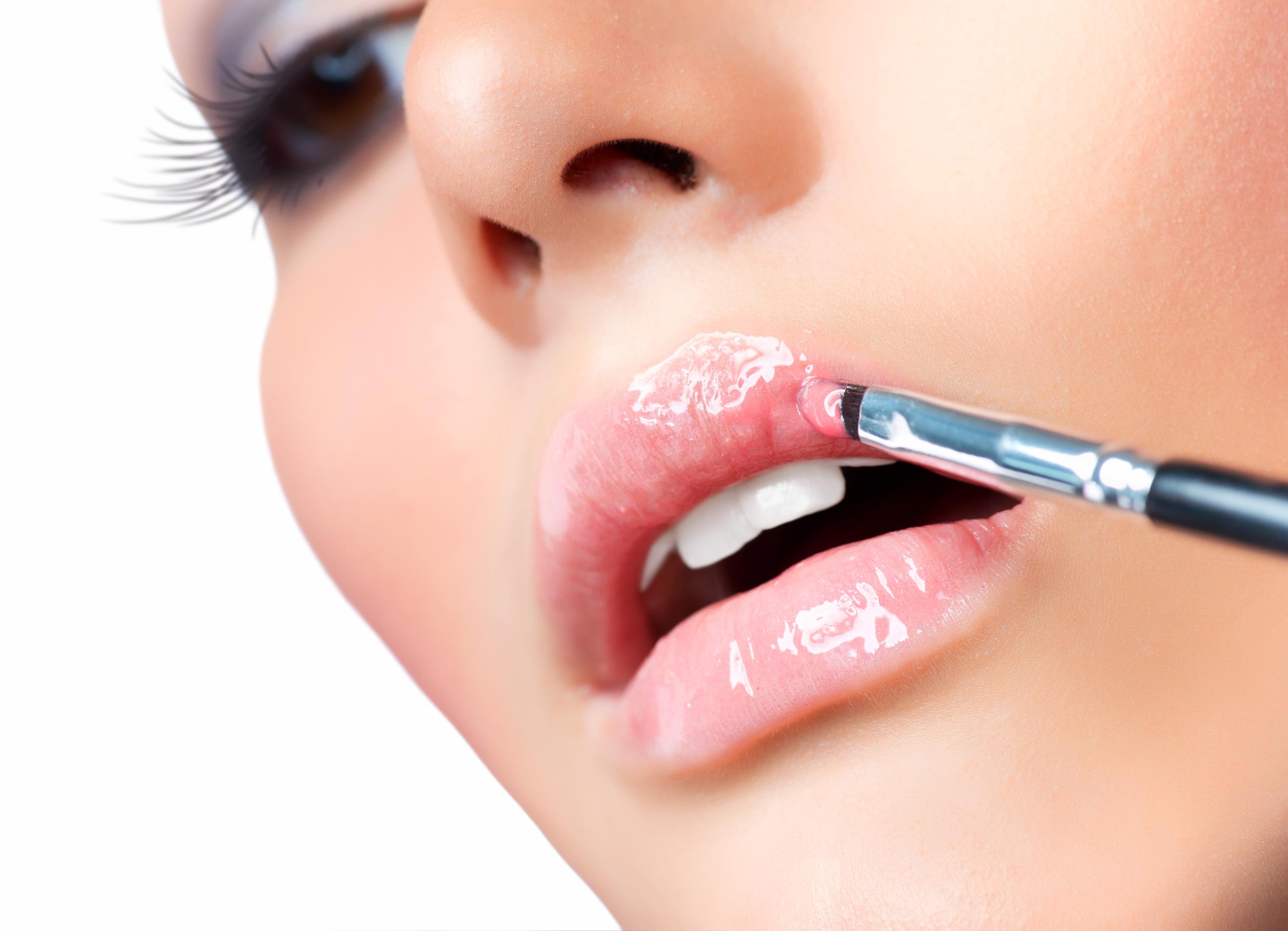 glossy-lips